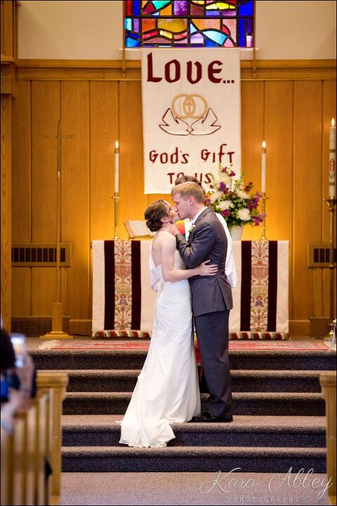 Wedding Day Photography Vestal Ny United Methodist Church Hy Ceremony First Kiss Husband Wife